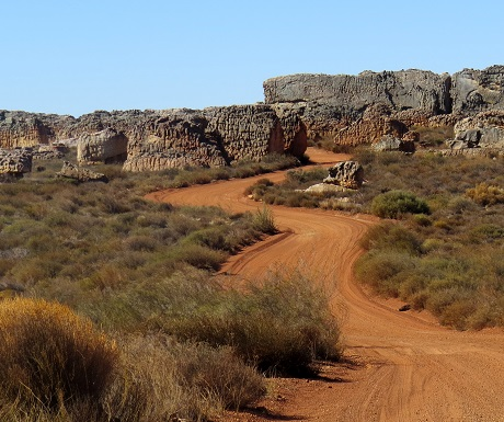 Kagga Kamma, gravel road, rocks