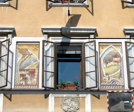 5 superb experiences in Skofja Loka, Slovenia, decorative window