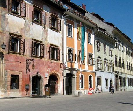 5 superb experiences in Skofja Loka, Slovenia, main street
