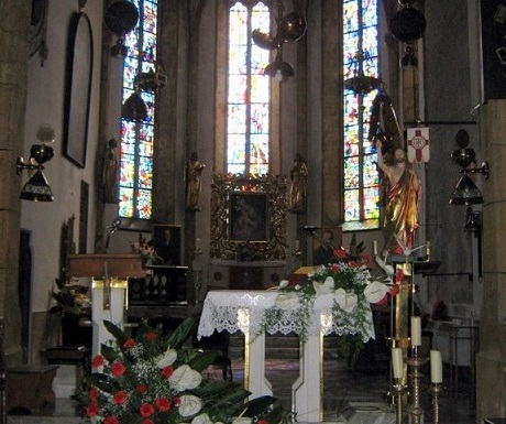 5 superb experiences in Skofja Loka, Slovenia, church interior